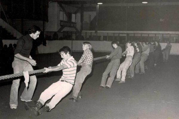 1970s-tug-of-war